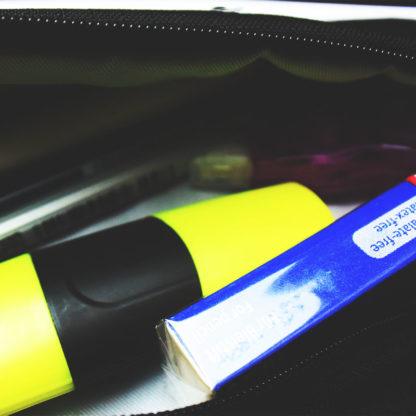 Tasche für Stifte ohne Dekogegenstände